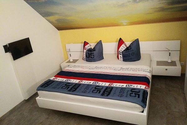 schlafzimmer-ferienwohnung-binz-ruegen